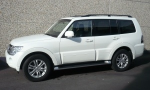 MITSUBISHI PAJERO 3.2 DID INSTYLE 200 CV*BTE A/T*CUIR*GPS*PANO*7 PL