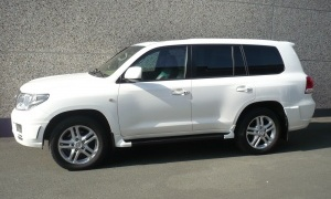 TOYOTA LAND CRUISER 4.5 D4D V8*VIP*MULTIMEDIA*BODY KIT...LOOK UNIQUE