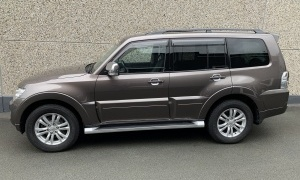 MITSUBISHI PAJERO 3.2 DID*INSTYLE*BTE A/T*7 PLACES